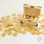Dārgumu lāde ar šokolādes monētām